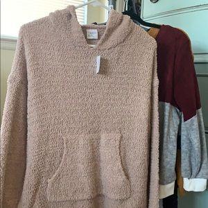 Cream/Tan sweater hoodie